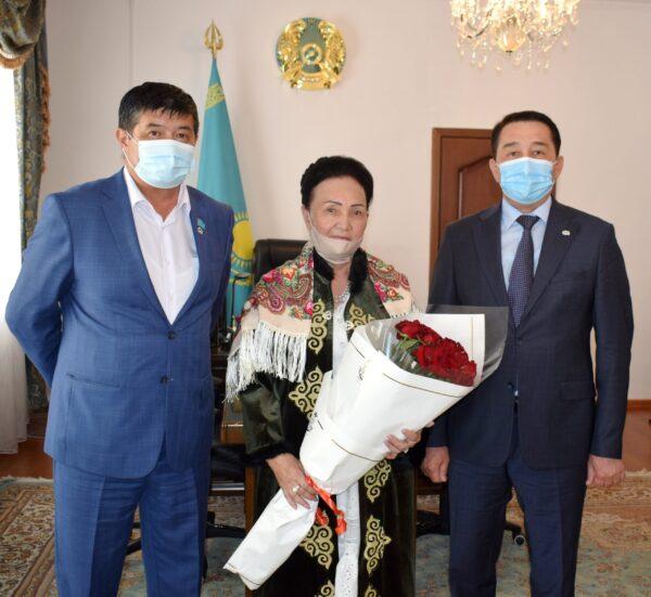 Еңбек ардагеріне құрмет көрсетілді